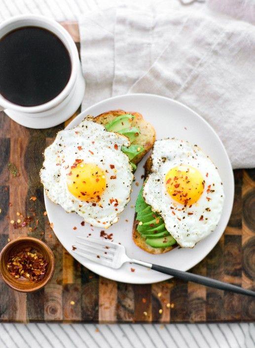 Exemples de petits déjeuners nutritifs et délicieux