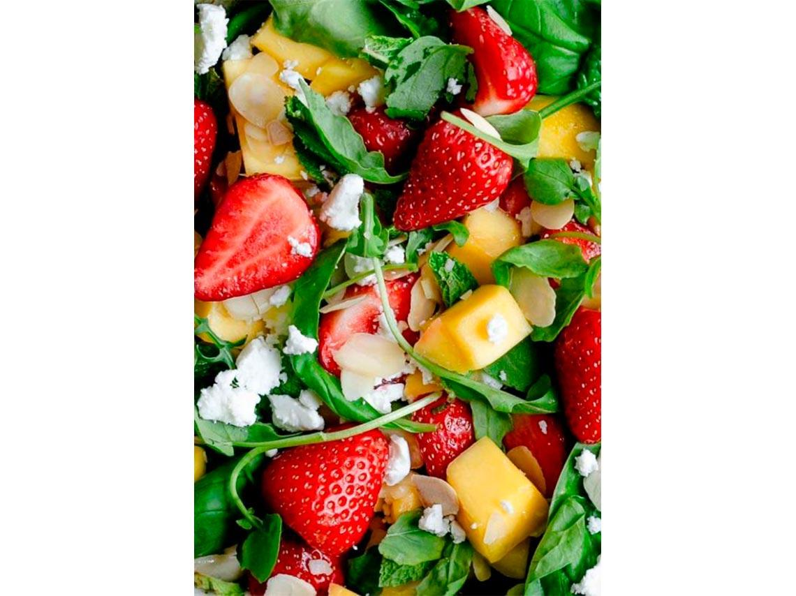 5 erreurs lors de la préparation de votre salade qui ne vous font pas maigrir